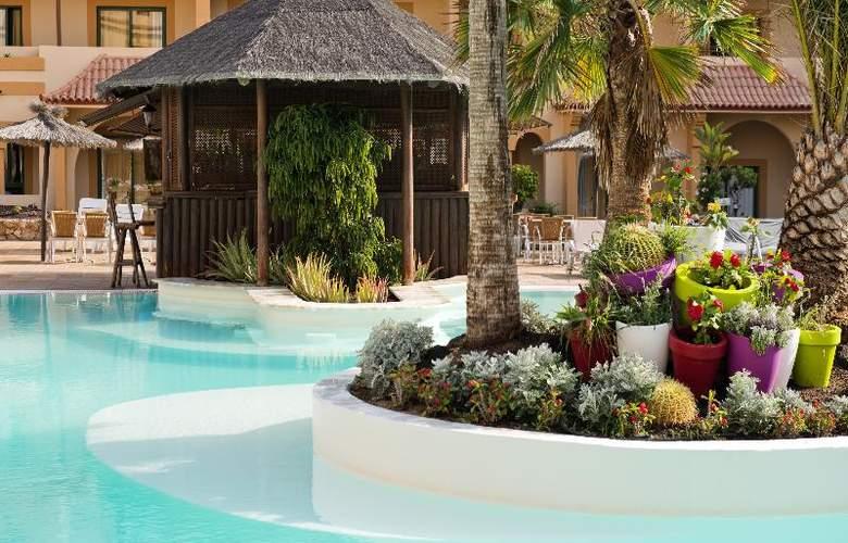 Elba Lucía Sport & Suite - Pool - 13