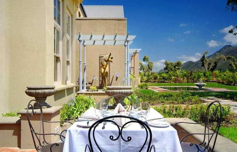 L'Ermitage Franschhoek Chateau & Villas - Terrace - 5