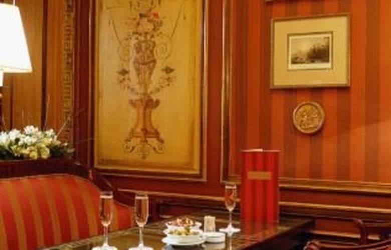Maison Astor Paris, Curio Collection by Hilton - General - 1