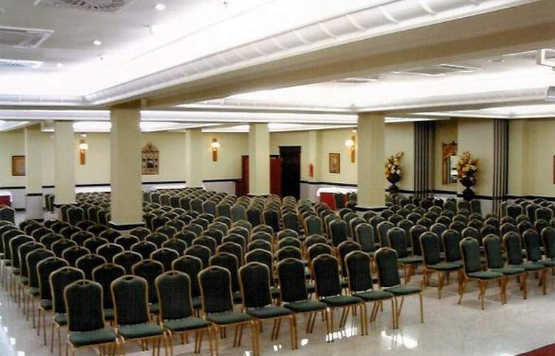 Infanta Cristina - Conference - 1