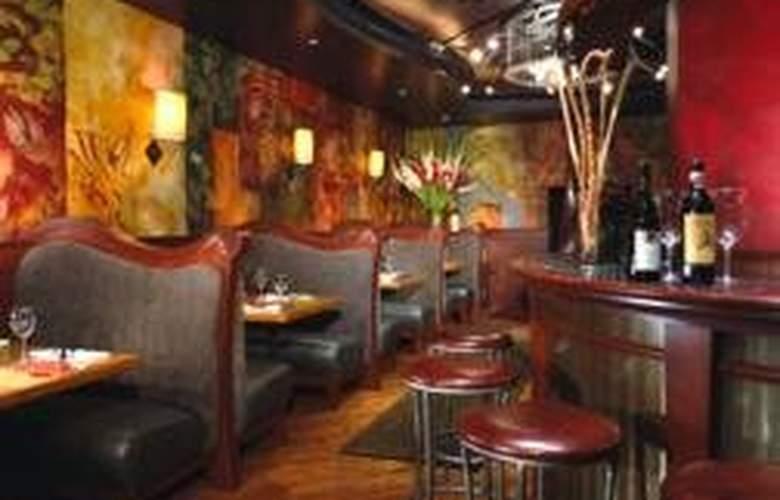 Mayflower Park Hotel - Bar - 5