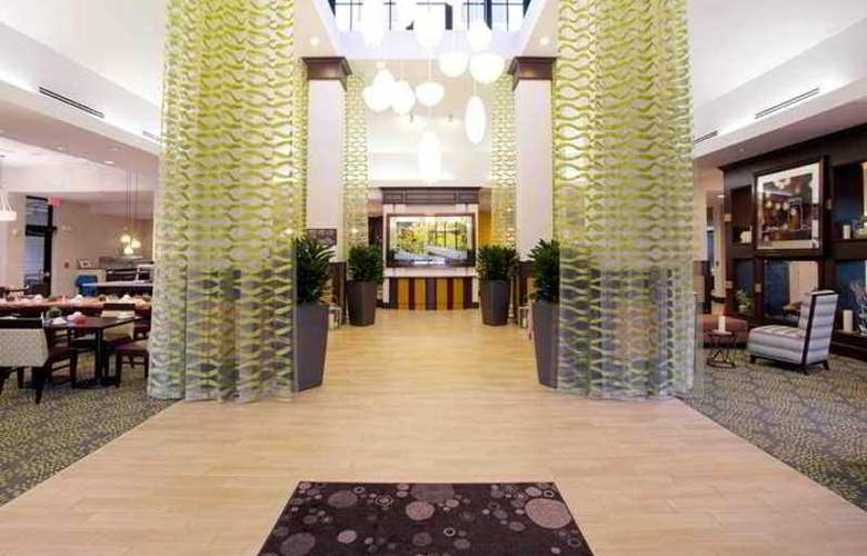 Hilton Garden Inn West Palm Beach Airport - Hotel - 1
