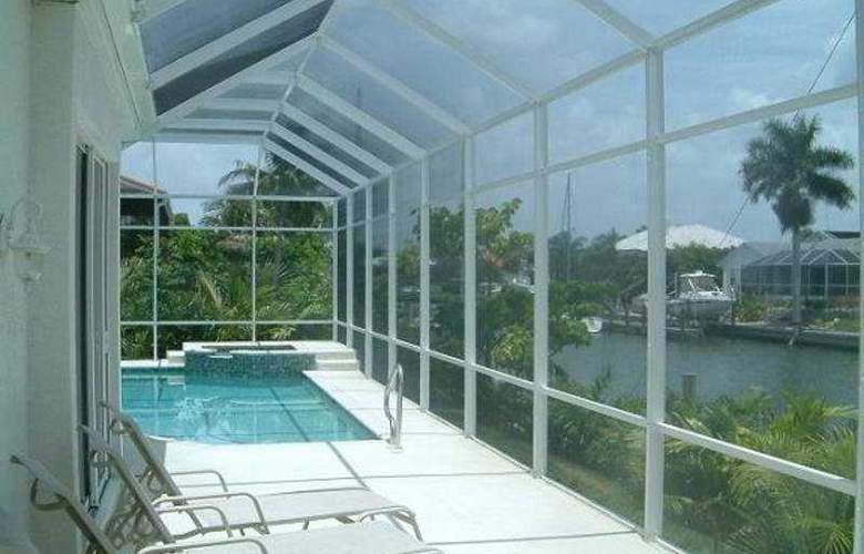 Gulf Coast Holiday Homes, Marco Island - Pool - 6