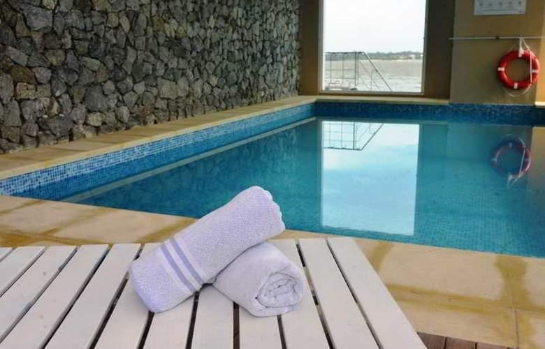 Radisson Colonia del Sacramento Hotel & Casino - Pool - 49