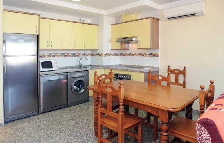 Apartamentos Nuria Sol - Room - 3