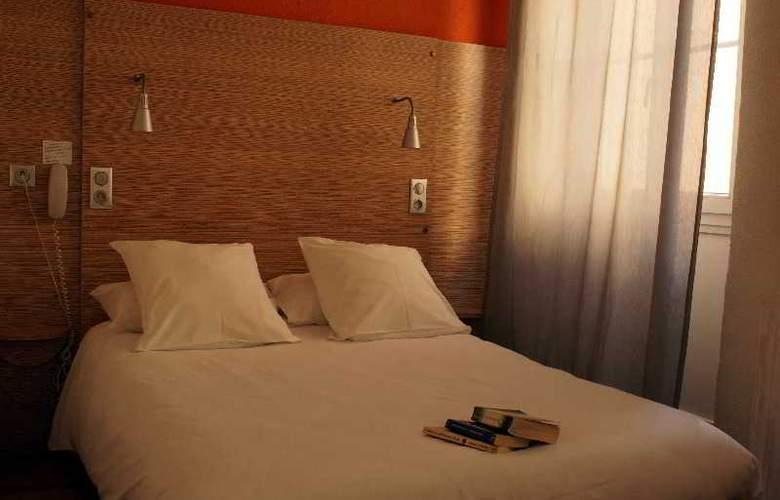 Edmond Rostand - Room - 0