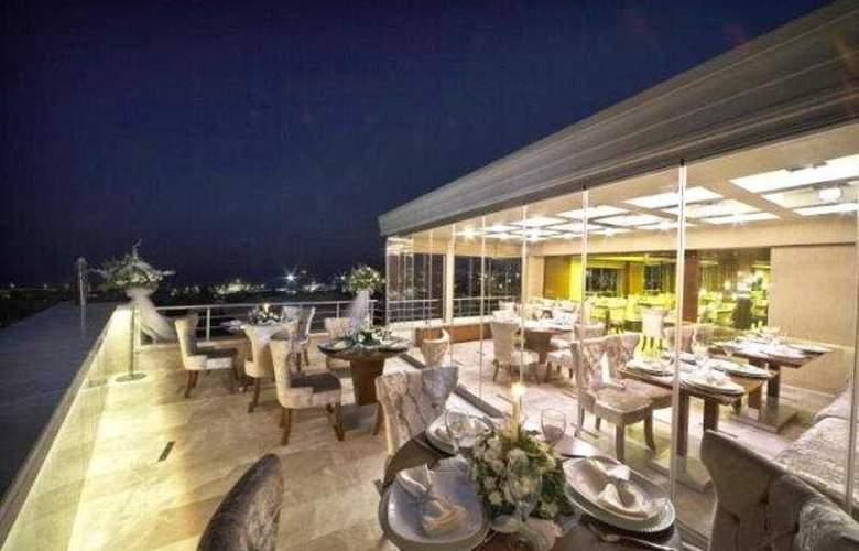 Qinn Laleli - Terrace - 6