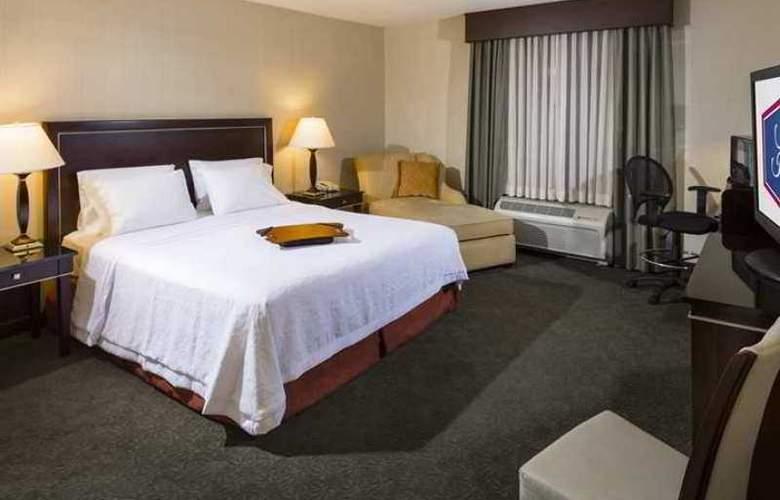 Hampton Inn & Suites Las Vegas South - Hotel - 6