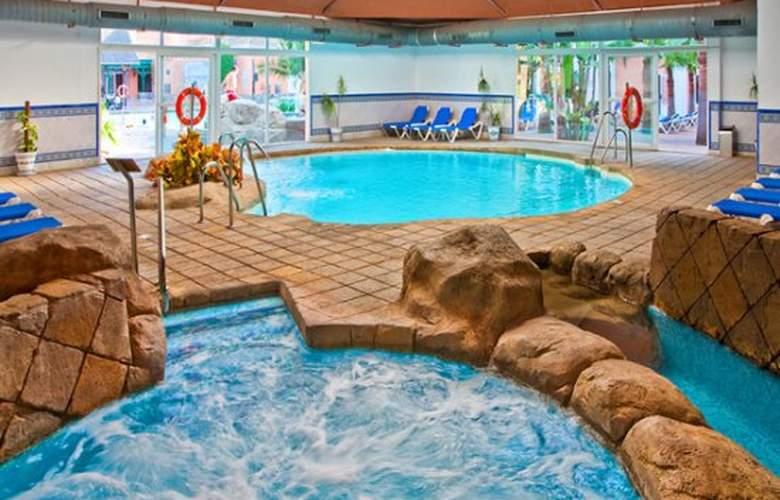 diverhotel Nautilus Roquetas - Pool - 9