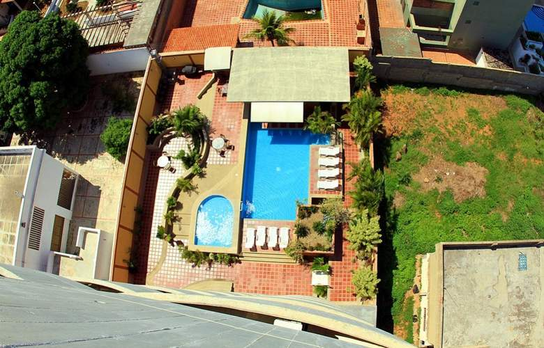 Miramar Suites - Pool - 21