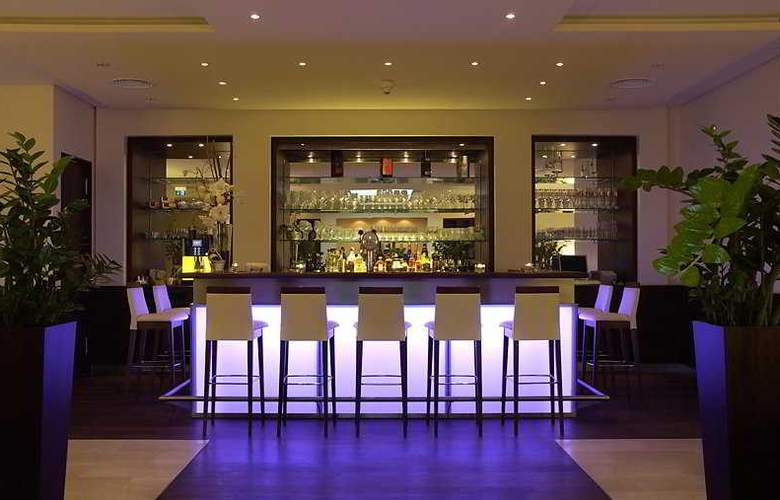 Achat Hotel City-Wiesbaden - Bar - 3