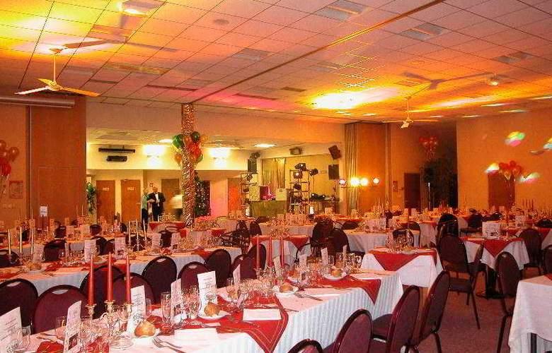 Inter-Hotel Au Chene Vert - Restaurant - 9