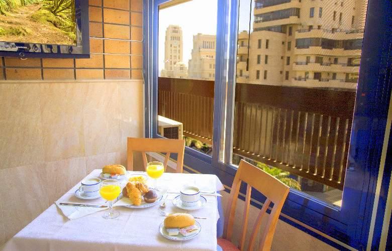 Adonis Plaza - Restaurant - 12