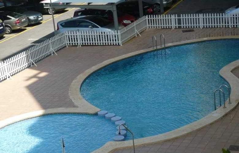 Apartamentos Pompeya - Pool - 2