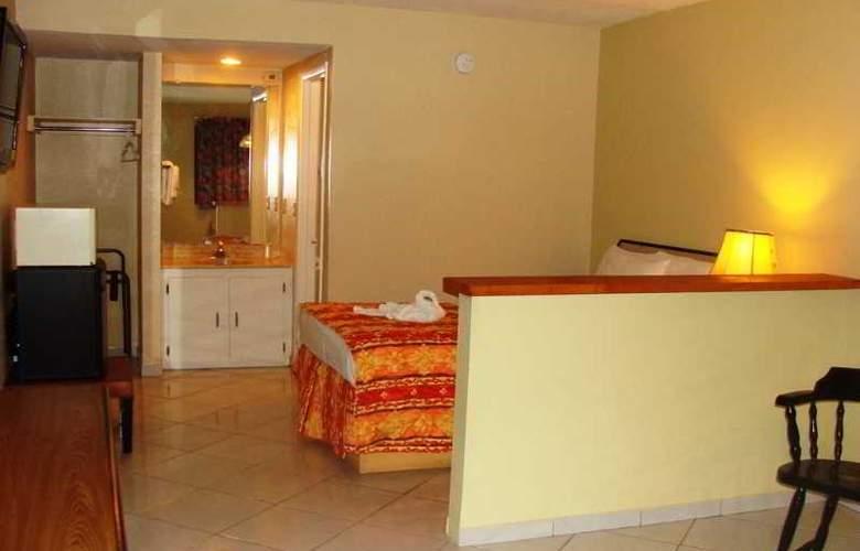 Sevilla Inn - Room - 5