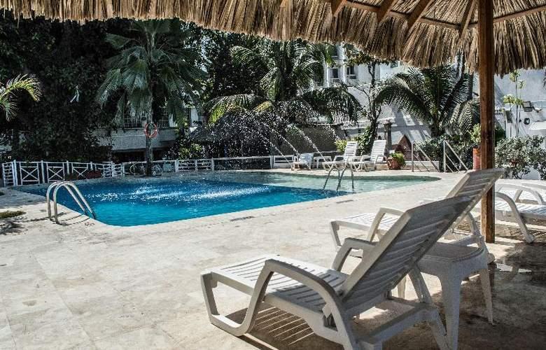 Playa Club - Pool - 13