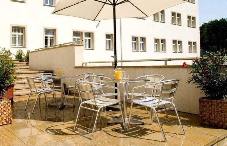 Mamaison Residence Sulekova Bratislava - Terrace - 9