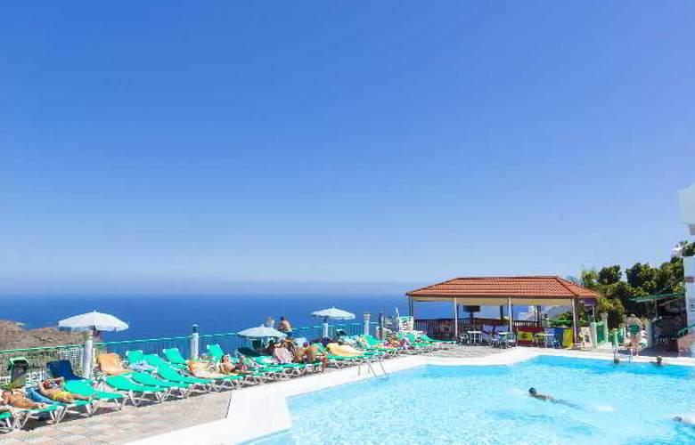 Monteparaiso - Pool - 19