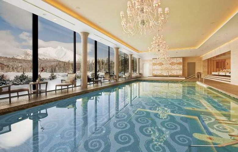 Grand Hotel Kempinski High Tatras - Pool - 27