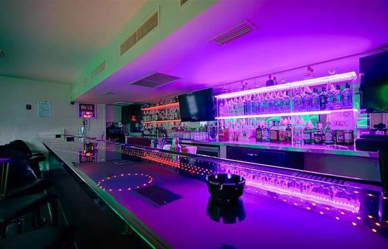 Best Western Orlando West - Bar - 40