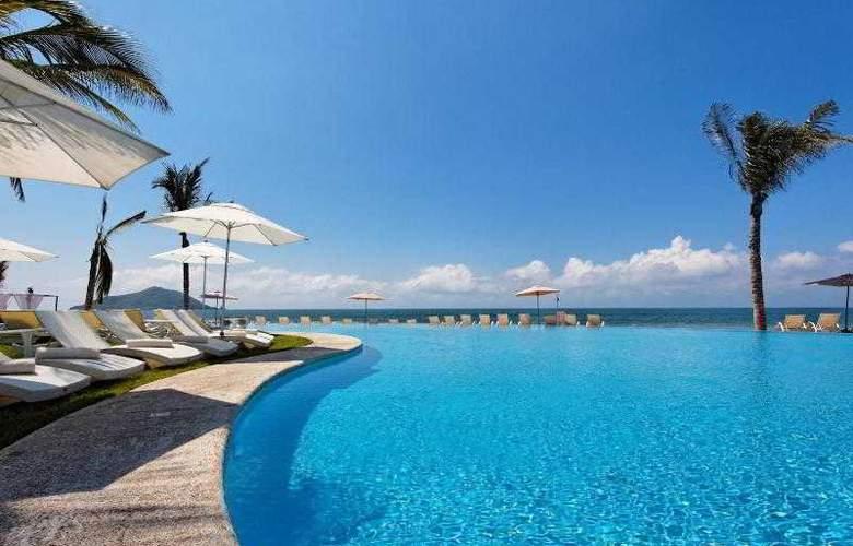 Crowne Plaza Resort Mazatlan - Pool - 37