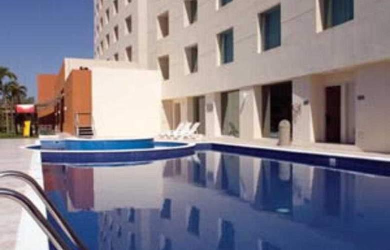 Fiesta Inn Culiacan - Pool - 7