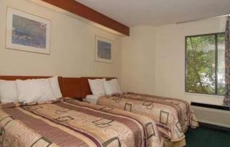 Sleep Inn & Suites - Room - 2
