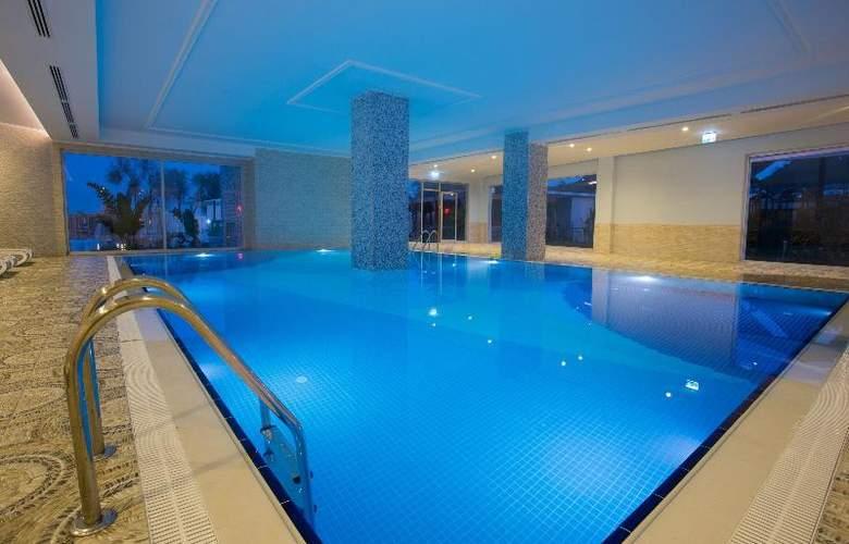 Water Side Delux Resort - Pool - 59
