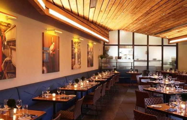 The James - Restaurant - 3