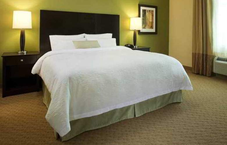 Hampton Inn and Suites Harrisburg/North - Hotel - 1