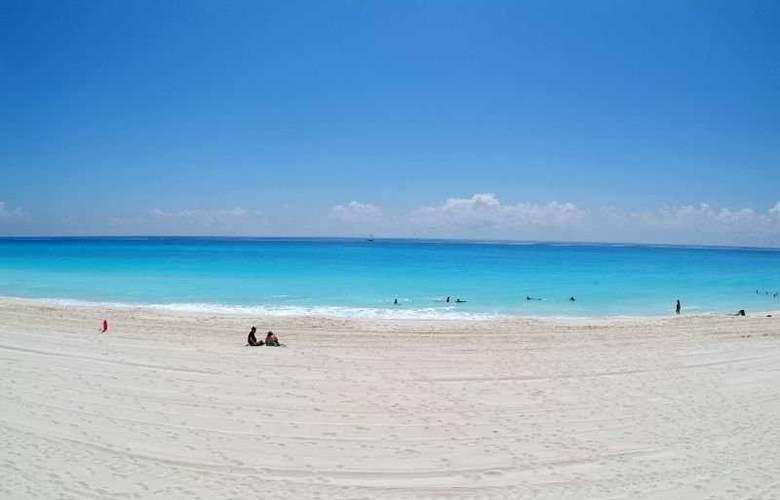 Royal Solaris Cancun Resort All Inclusive - Beach - 5