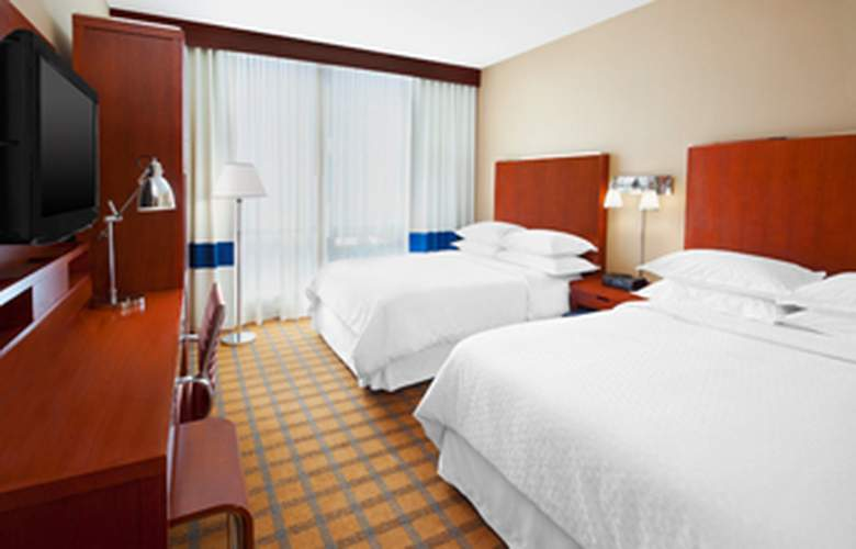 Four Points by Sheraton Long Island City/Queensboro Bridge - Room - 8