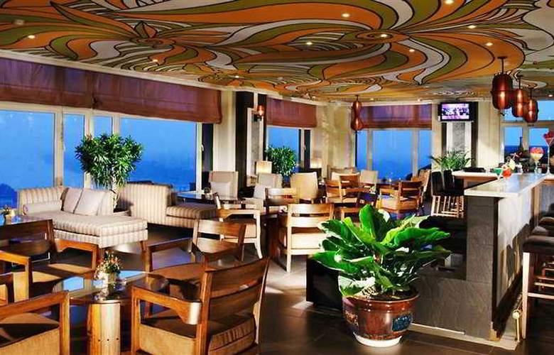 Imperial Hotel Hue - Bar - 8