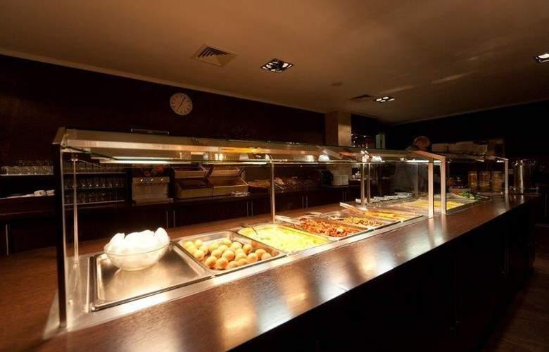 XO Hotels Blue Square - Restaurant - 52