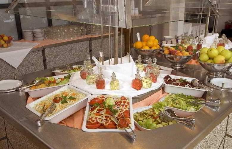 Slovenska Plaza - Restaurant - 13