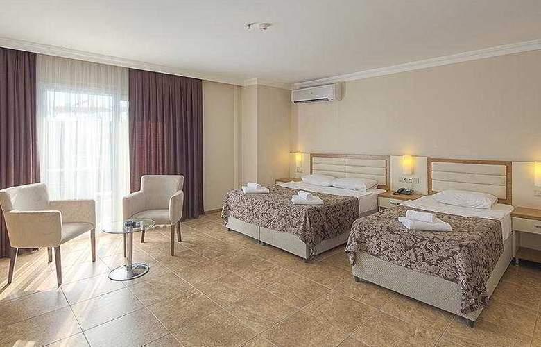 Risa Hotel - Room - 12