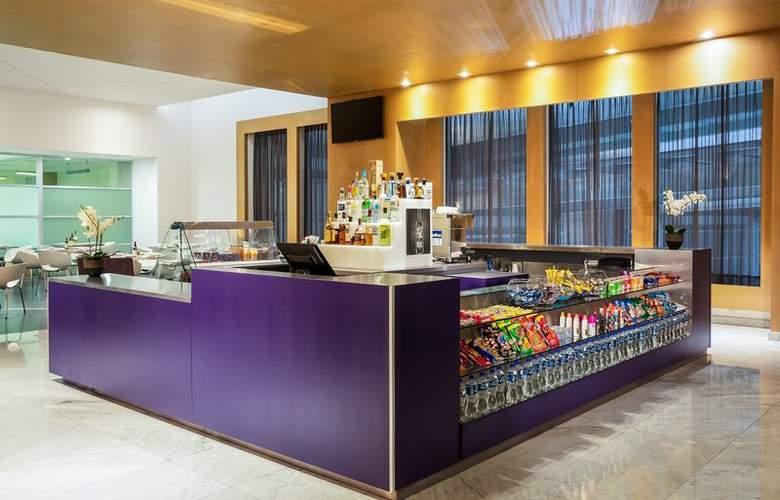 Fiesta Inn Cancun Las Americas - Bar - 4