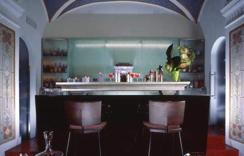 Art by the Spanish Steps - Bar - 7