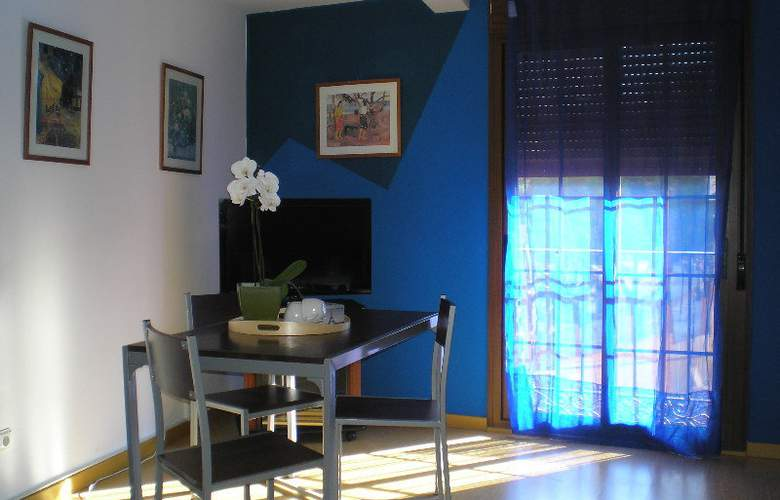 Apartamentos Aragon - Room - 5
