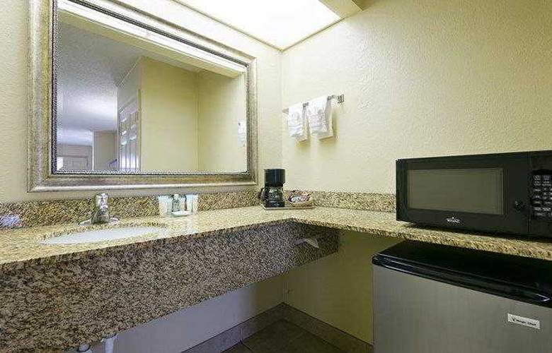 Best Western Orlando East Inn & Suites - Hotel - 8