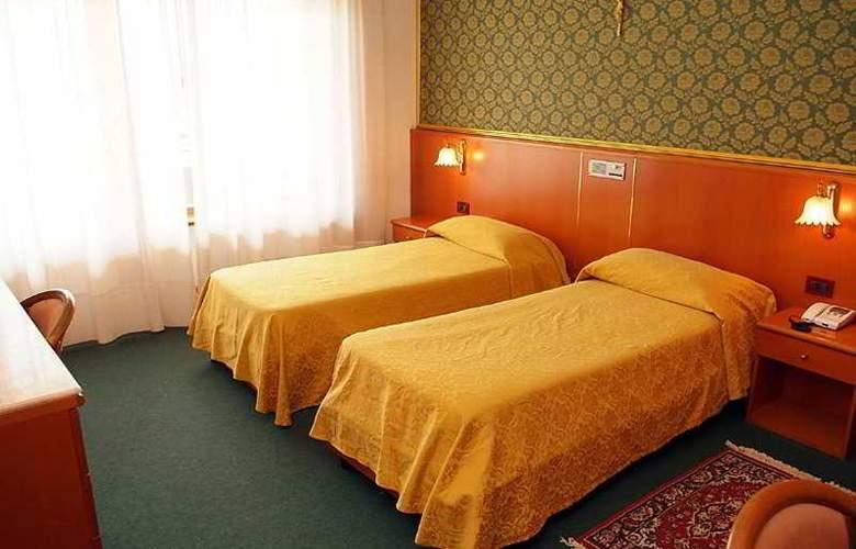 Gran Hotel Pinetamare Club Resort - Room - 3
