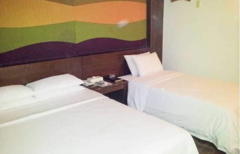 Ana - Room - 10