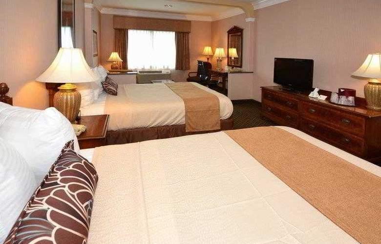 Best Western Plus Suites Hotel - Hotel - 23