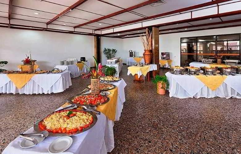 El Dorado Plaza - Restaurant - 30