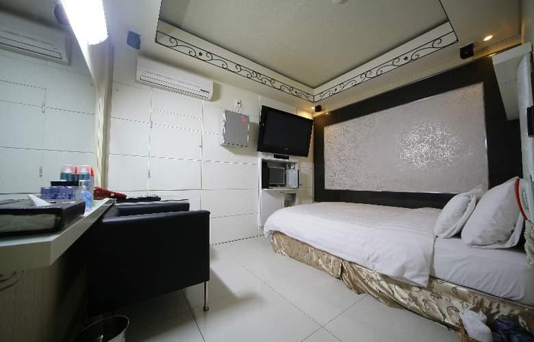 Hit Hotel - Room - 9