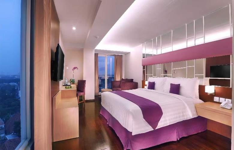 Quest Hotel Surabaya - Room - 0