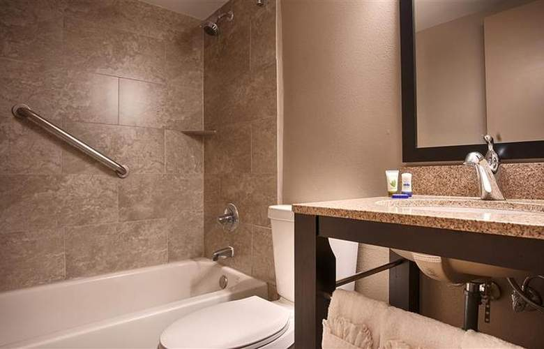 Best Western Plus Hotel & Conference Center - Room - 69