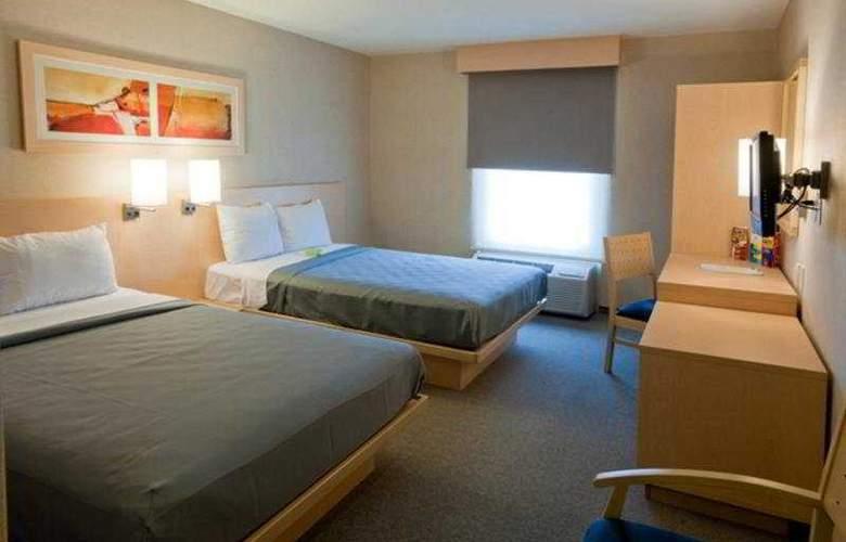 City Express Saltillo Sur - Room - 1