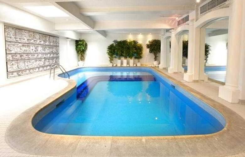 Henry VIII - Pool - 5