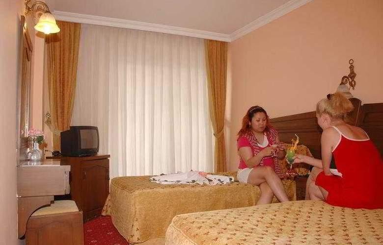 Hera Beach Hotel - Room - 2
